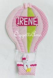 Una mongolfiera per fiocco nascita: una targa fuoriporta rosa per annunciare l'arrivo della piccola di casa!