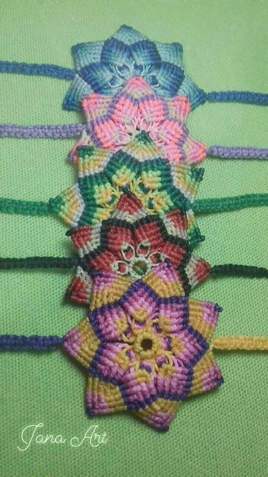 """Bracciali """"Fiore di Mandala"""" in macramé"""