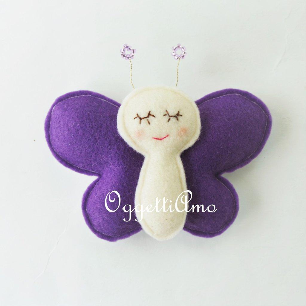 Una farfalla viola per le bomboniere della tua bambina: un gadget primaverile come bomboniera per la nascita, battesimo, compleanno, comunione, cresima della piccola di casa!