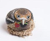SASSO DIPINTO UCCELLINO CON BACCA - passeraceo - sasso decorato - collezionismo - soprammobile
