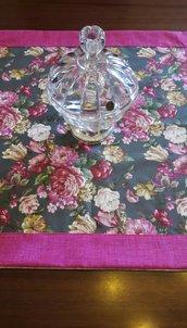 Tovaglia centro tavola con rose