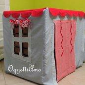 La casina sotto al tavolo: una casina in stoffa fatta a mano per far giocare i piccoli di casa!