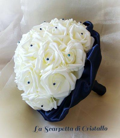 Bouquet Sposa Con Swarovski.Bouquet Gioiello Rose In Polifoam Strass A Goccia E Swarovski