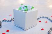 Scatolina con fiori, 7 cm x 7 cm