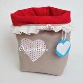 Un sacchetto portapane in stoffa fatto a mano: un cestino per il pane versatile ed originale!