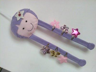 Bambolina porta mollettine   in panno lenci rosa  lilla per bimba