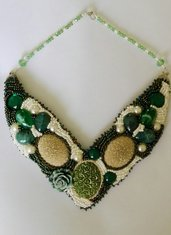 Elegante collana soutache ed embroidery