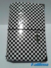 Astuccio KALLIDORI per traveler's notebook in stile OPTICAL fatta a mano in gomma eva colore nero e carta adesiva