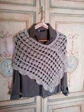 poncho lana fatto a mano, coprispalle uncinetto, mantella , mantellina grigio stola