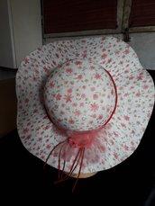 Cappello a fiorellini