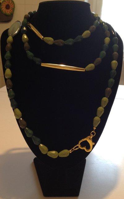 Collana di cristalli a goccia sfumature di verde