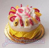 Mini Torta pannosa con fettine di frutta mista