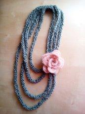 collana uncinetto lana lunga, gioiello uncinetto, collana fatta a mano, collana fiori rosa - elegante shabby shic
