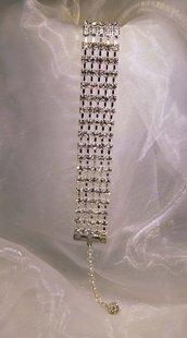 Bracciale a fascia in metallo placcato argento e strass (BR42)