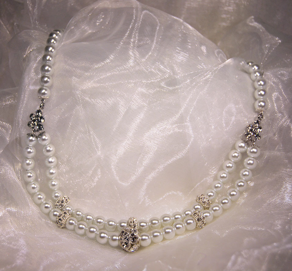 Collana in perle con inserti in strass (GC02)