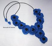 Collana con fiori  di raso 1