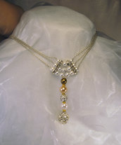 Girocollo lungo con perle colorate ed elementi in strass (GC12)
