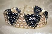 Bracciale a fascia con perle bianche e grigie e barrette in strass (BR12)