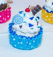 Cupcake decorativo mod. ciliegina, altezza 9 cm - diametro 6.5 cm