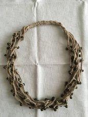 Collana girocollo cotone e perle di legno