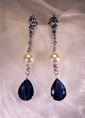 Orecchini lunghi eleganti con cubic zirconia e goccia color zaffiro blu (OR05)