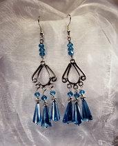 Orecchini pendenti in argento indiano con cristalli azzurri (OR07)