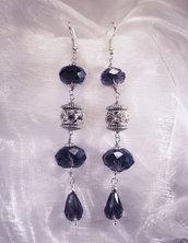 Orecchini in stile etnico con cristalli ametista ed elementi in strass (OR06)