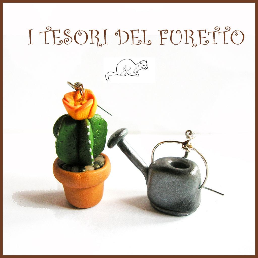 """Orecchini Pollice verde  Pianta grassa """" cactus fiore arancio e annaffiatoio """" giardinaggio pianta grassa primavera  idea regalo fimo cernit premo"""