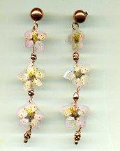 ORECCHINI pendenti lunghi con tre fiori di pesco veri, essiccati e plastificati