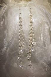 Orecchini in metallo placcato argento e cristalli bianchi (OR17)
