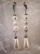 Orecchini lunghi con perle swarovski e strass (OR58)