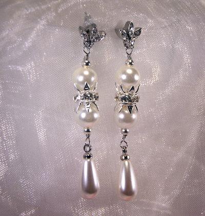 Orecchini lunghi con perle swarovski e strass (OR60)