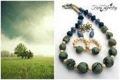 Set parure collana e orecchini con perle fatte a mano in pasta polimerica e howlite artigianali