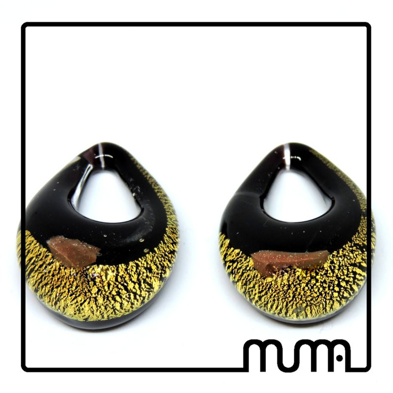 Bellissima collana con ciondolo in vetro di Murano! Affare!