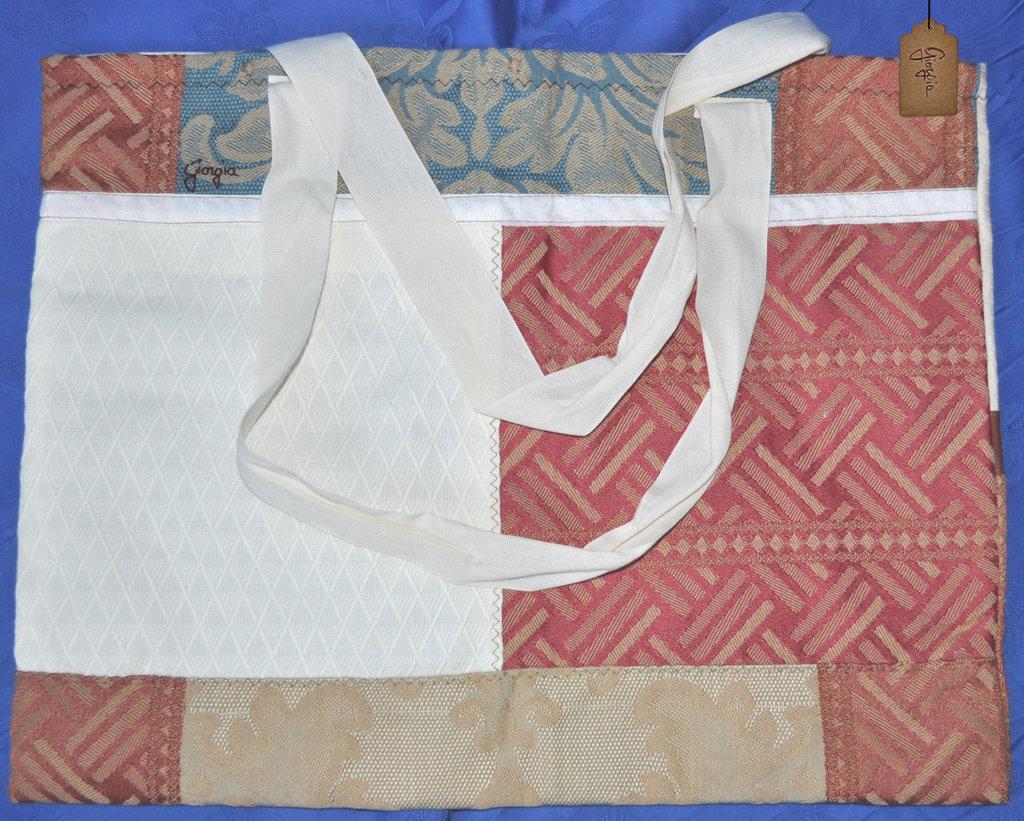 Borsa patchwork in tela beige e rossa