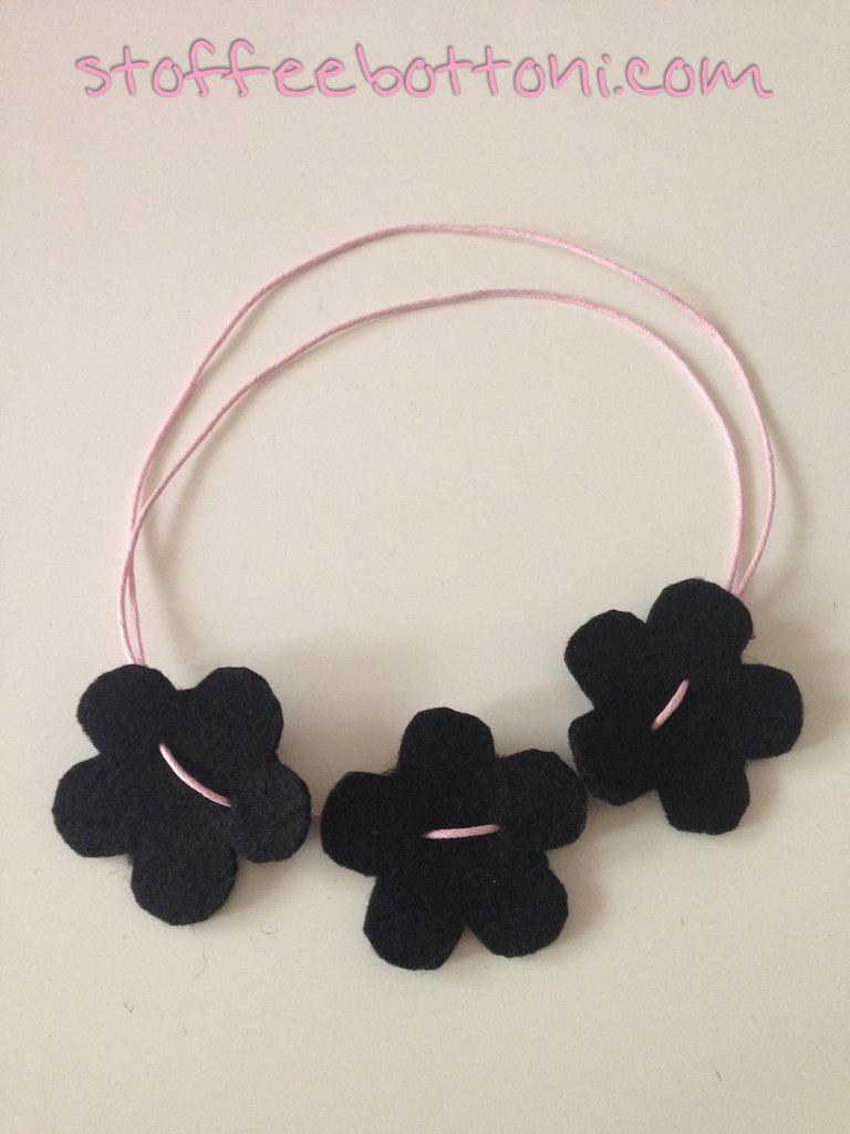 taglia 40 prezzo basso 100% di alta qualità Collana fiori in feltro - Gioielli - Collane - di Stoffe e bottoni ...