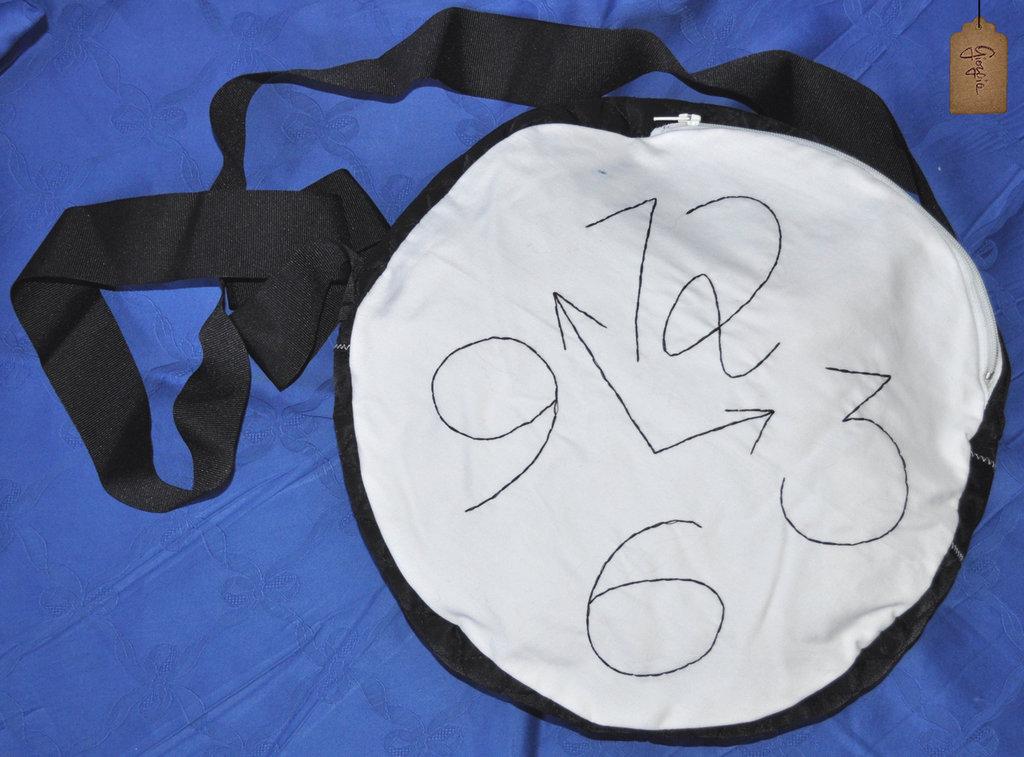Borsa orologio tracolla bianco e nera
