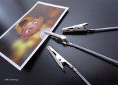 Pinze per portafoto con asta in metallo (10cm) (cod. new)