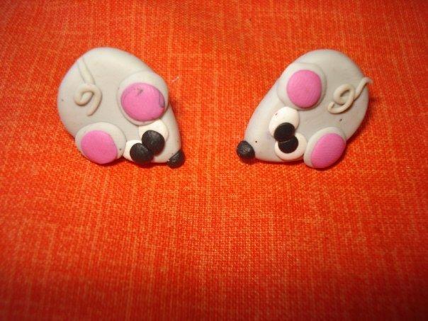 orecchini a perno con topini