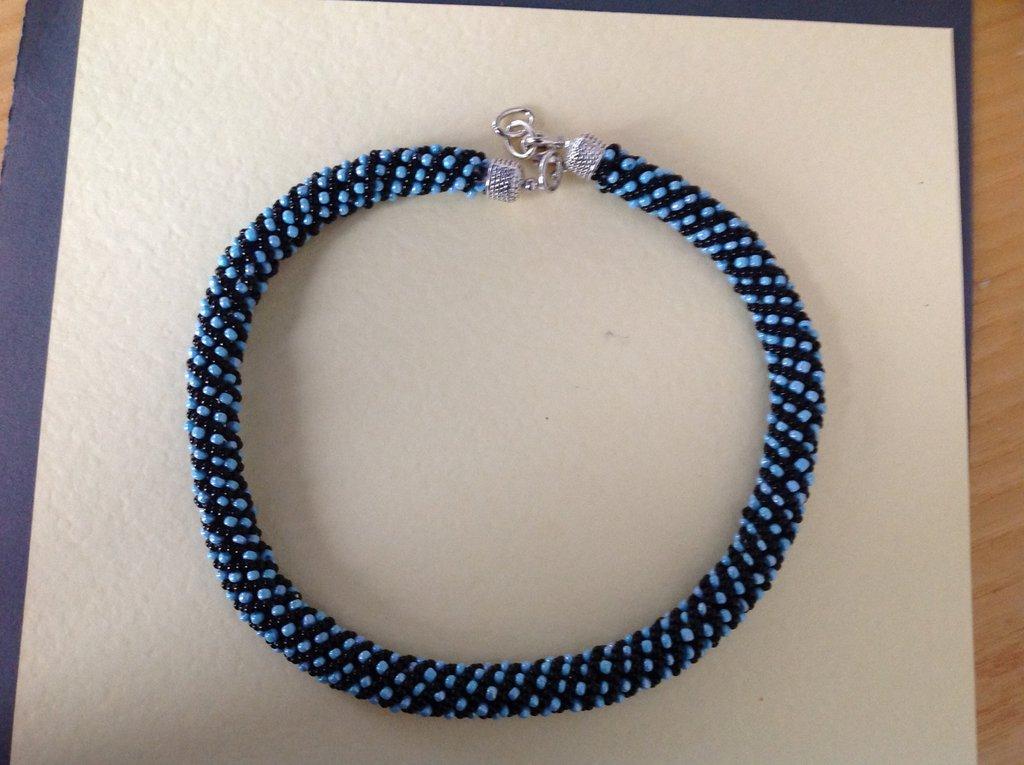 super popolare bd14a d79e0 Collana girocollo nero/blu