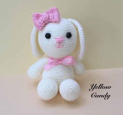 Coniglietto amigurumi fatto a mano