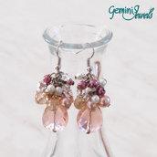 Orecchini grappolo di perle e goccia sfaccettata, rose-violet