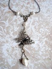 La Farfalla e le perle