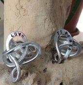 Anello in alluminio con scritta