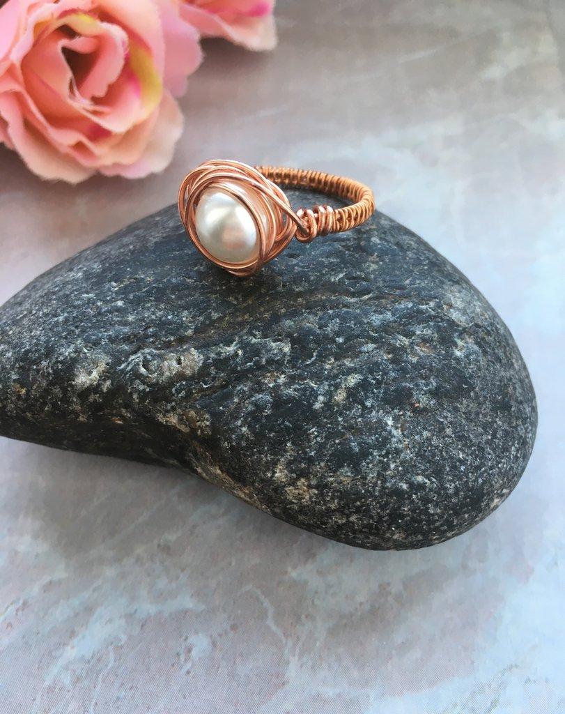 Anello wire con filo di rame con perla cerata di vetro