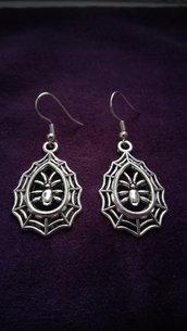 *Coppia di orecchini con ragnatela - Spiderweb earrings*