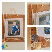 portafoto in legno con fiori