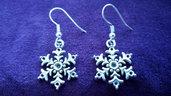 *Coppia di orecchini con fiocco di neve - Snowflake earrings*
