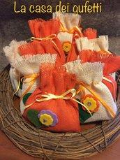 Sacchetto realizzati in tela iuta panna ed arancione