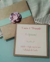 Invito matrimonio shabby in carta kraft e Fiore di carta